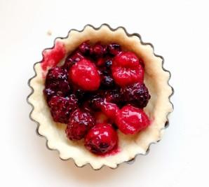 Корзиночки из творожного теста с ягодами - фото шаг 4