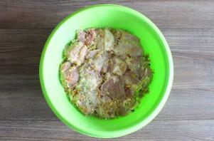 Шашлык в яблочном маринаде - фото шаг 7