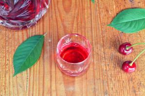 Настойка из вишни - фото шаг 6