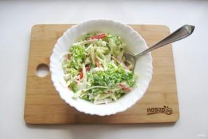 Салат с дайконом и крабовыми палочками - фото шаг 8