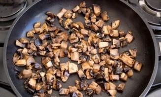 Курица, фаршированная грибами и рисом - фото шаг 5