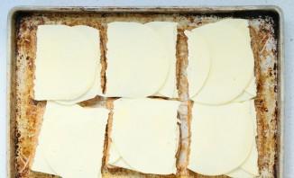 Закуска с колбасным сыром - фото шаг 1