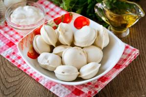 Жареные пельмени со сметаной на сковороде - фото шаг 1