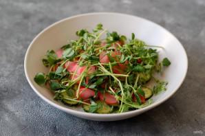 Салат с маринованной редиской - фото шаг 6