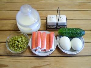 Салат крабовый с огурцом - фото шаг 1