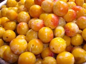 Варенье из желтых слив - фото шаг 1