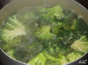 Брокколи в сливочно-чесночном соусе - фото шаг 1
