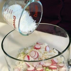 Салат с крабовым мясом - фото шаг 5