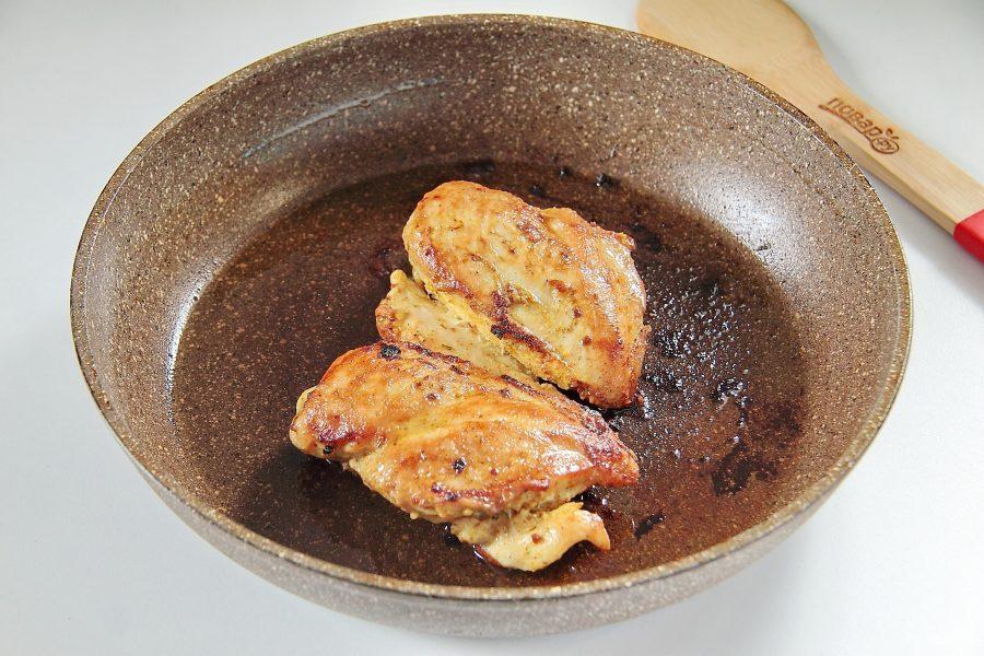 Молодые кабачки, тушеные с курицей