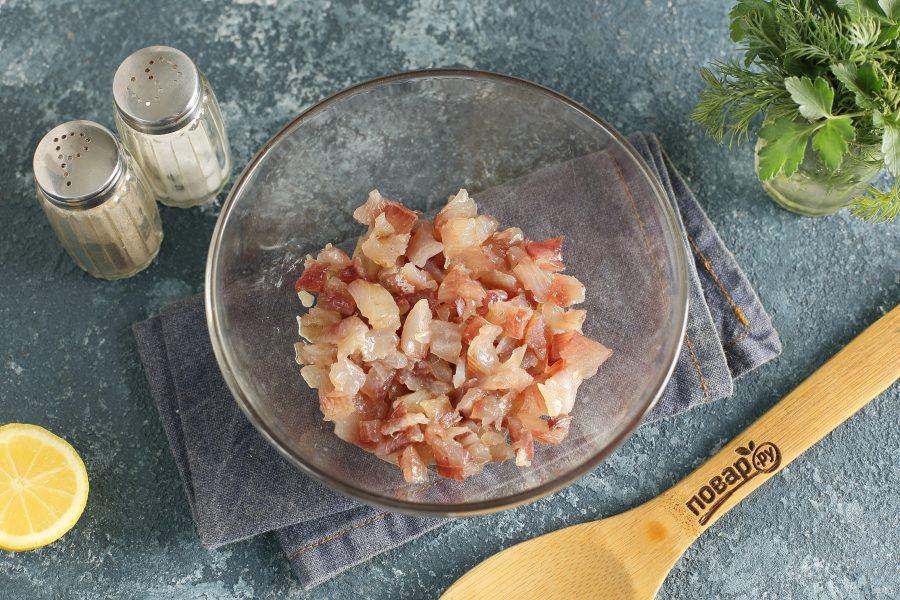 Салат с вяленой рыбой