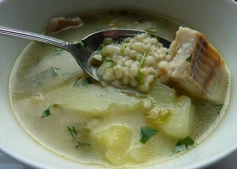 Рыбный суп с перловкой