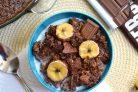 Шоколадная овсянка с бананом