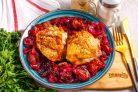 Курица со сливой в духовке