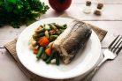 Рыба запеченная со стручковой фасолью