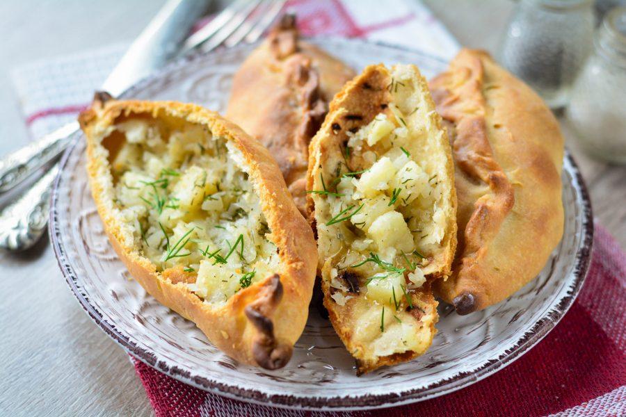 Хрустящие пирожки с картошкой и капустой