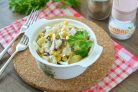 Салат из сельди с кукурузой