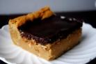 Пирожные с шоколадно-сливочной глазурью