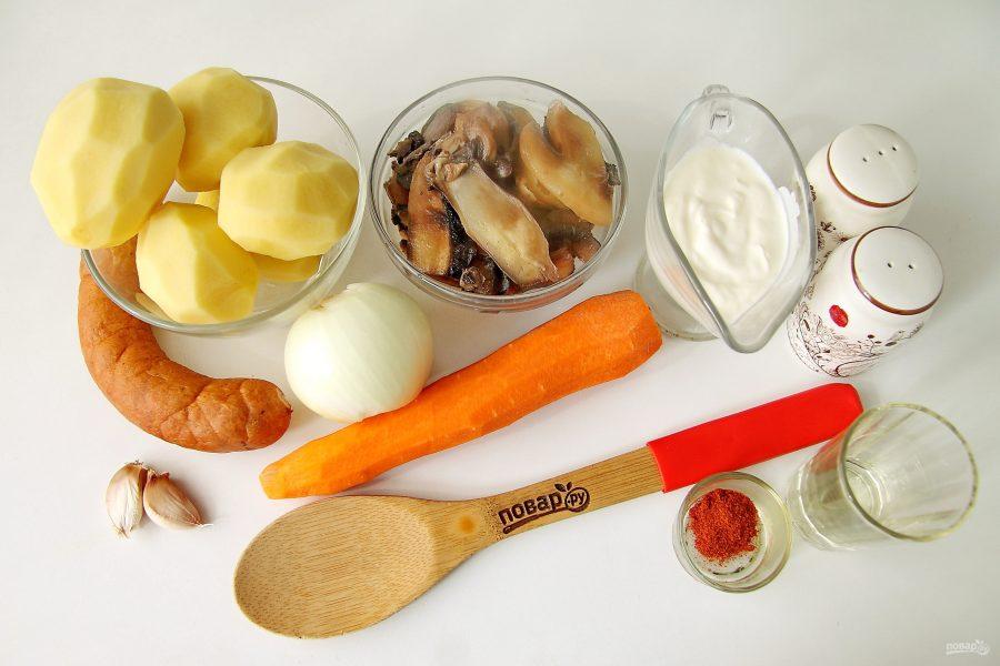 Ингредиенты для рагу с колбасой