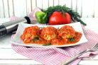 Индюшиные тефтели с рисом и перцем в томатном соусе