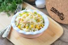 Гавайский салат с крабовыми палочками