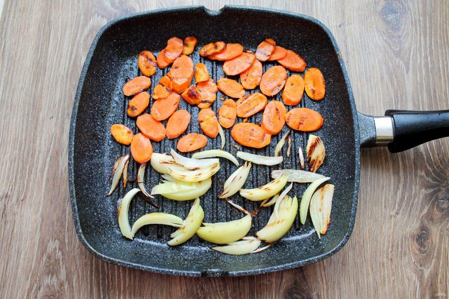 Форель тушеная с овощами
