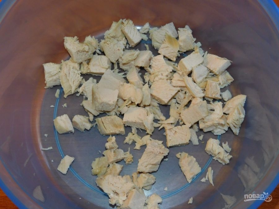 Салат с грибами, курицей и кукурузой