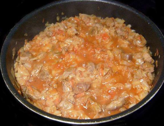 Солянка из свежей капусты с мясом