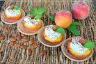 Персики фаршированные творогом с миндальным орехом
