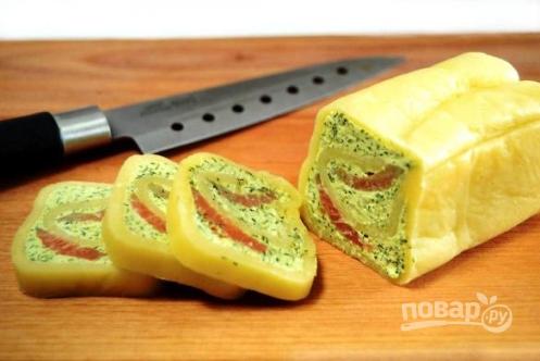 Сырный рулет с семгой