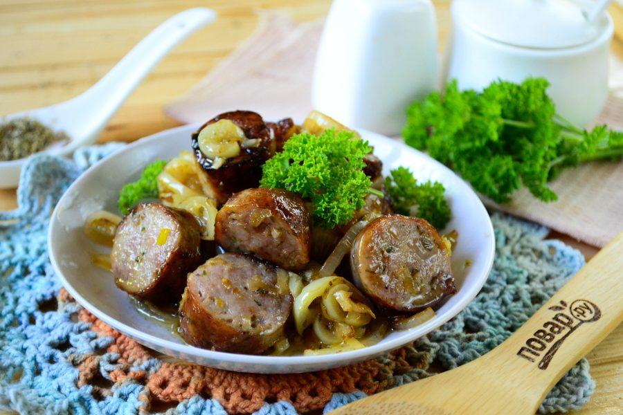 Колбаски по-итальянски с перцем и луком