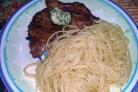 Свиная отбивная со спагетти