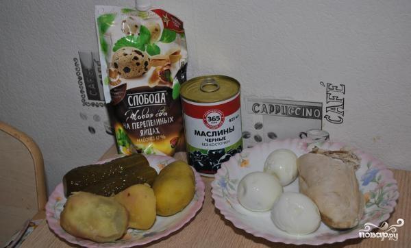 Салат с курицей и солеными огурцами