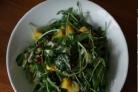 Салат из граната и зеленого лука