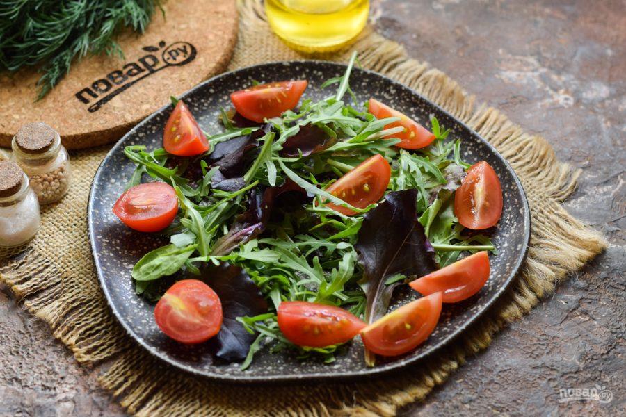 Салат с красной рыбой и шампиньонами
