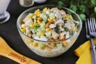 Салат из куриного филе с кукурузой
