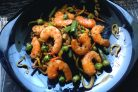 Овощи с королевскими креветками