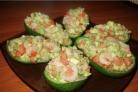 Салат в авокадо