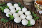 Творожные кокосовые шарики
