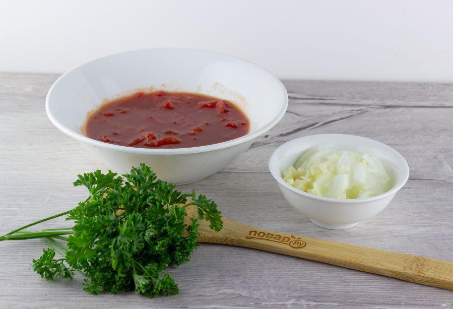 Филе куриной грудки под сливочно-томатным соусом
