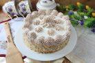 Сметанный торт с грецкими орехами