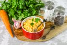 Салат с морковью и творогом