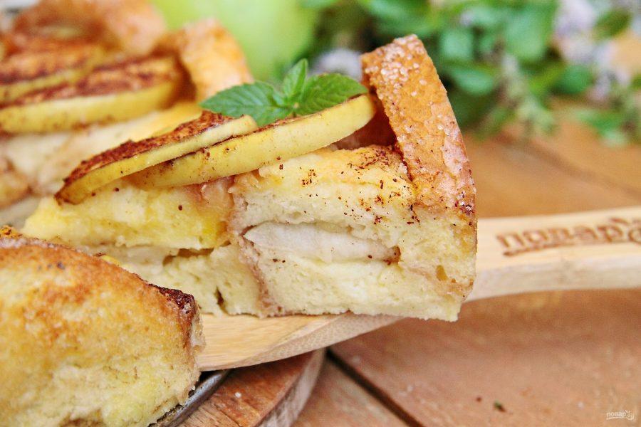 Яблочная шарлотка с хлебом