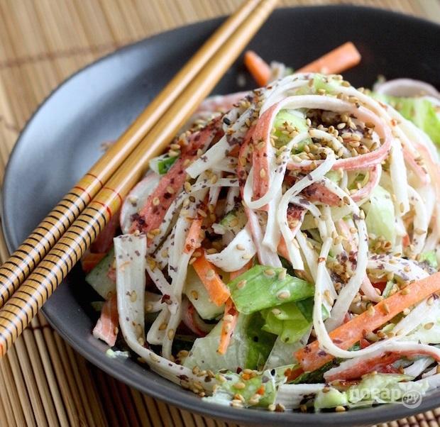 Вкусный салат из крабовых палочек