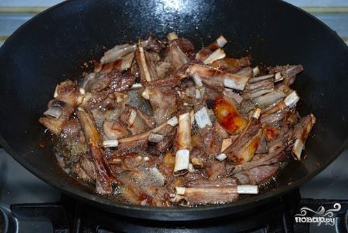 Как приготовить бараний ребрышки