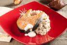 Жареный лосось в кокосовом молоке