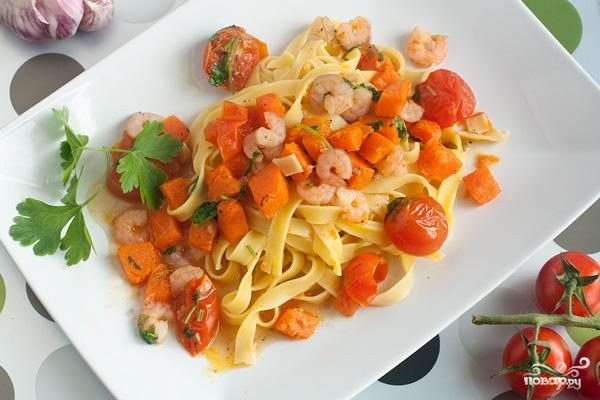 Блюда из макарон и макаронных изделий - Страница 2 Pasta_s_tikvoi_i_krevetkami-40703