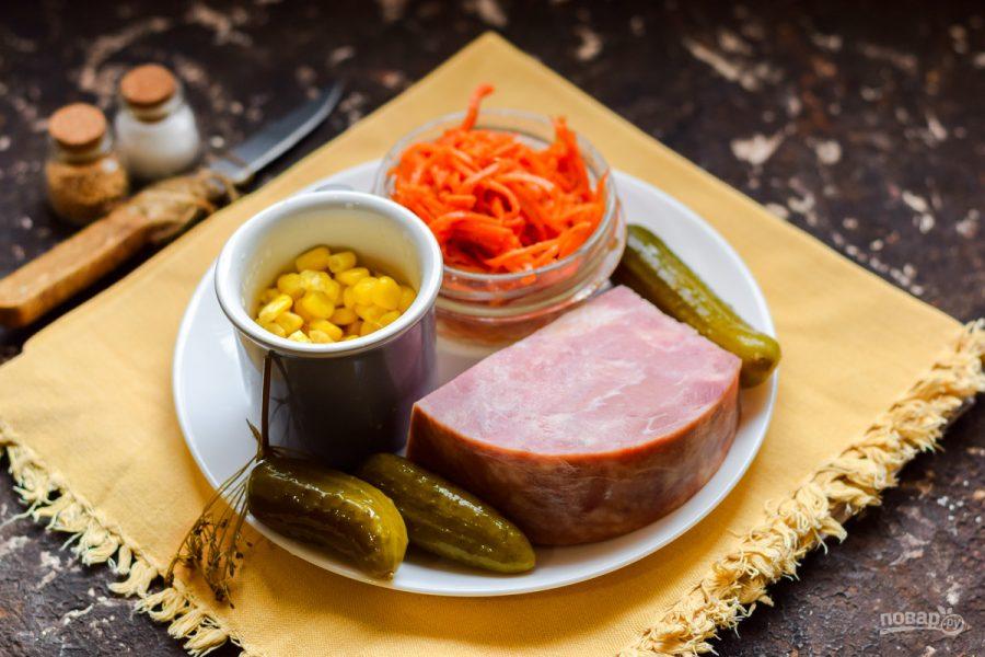 Ингредиенты для салата с ветчиной и морковью по-корейски