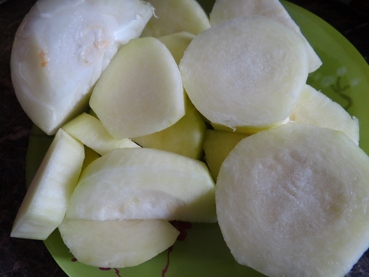 Скумбрия, запеченная с помидорами