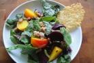 Салат со свеклой и грецким орехом