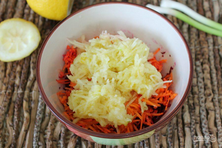 Салат со свеклой, яблоком и морковью